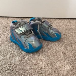 Nike infant sneakers size 3c silver and blue